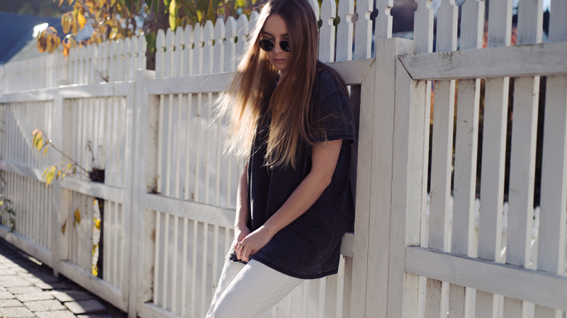 Stolen Inspiration | Kendra Alexandra | New Zealand Fashion Blog | Topshop White Pants, Circle Ray-bans, Valeria Grossi Shoes, Pandora Jewellery