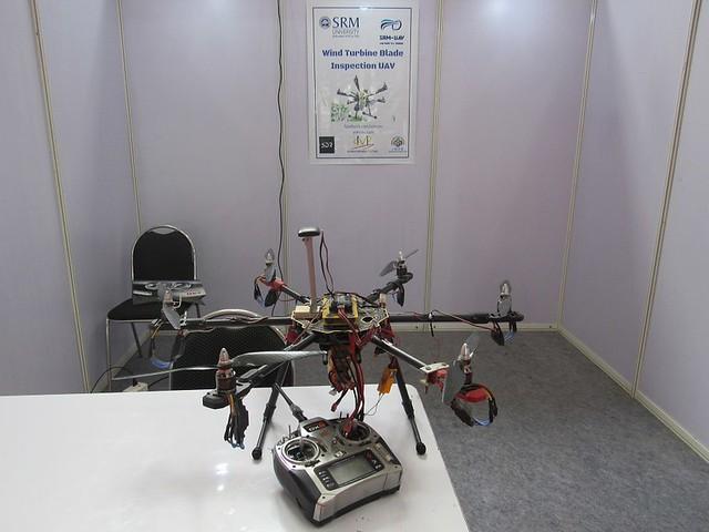R-Coimbatore-2015-Wind-Energy-Exhibition-SRM-Wind-Turbine-Blade-Inspection-UAV