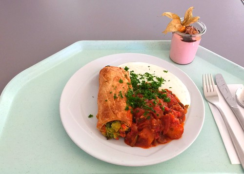 Vegetable strudel with ratatouille & yoghurt dip / Gemüsestrudel mit Ratatouille & Joghurt-Dip