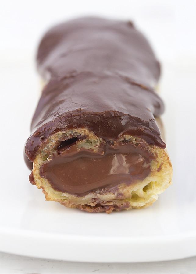 éclairs chocolate