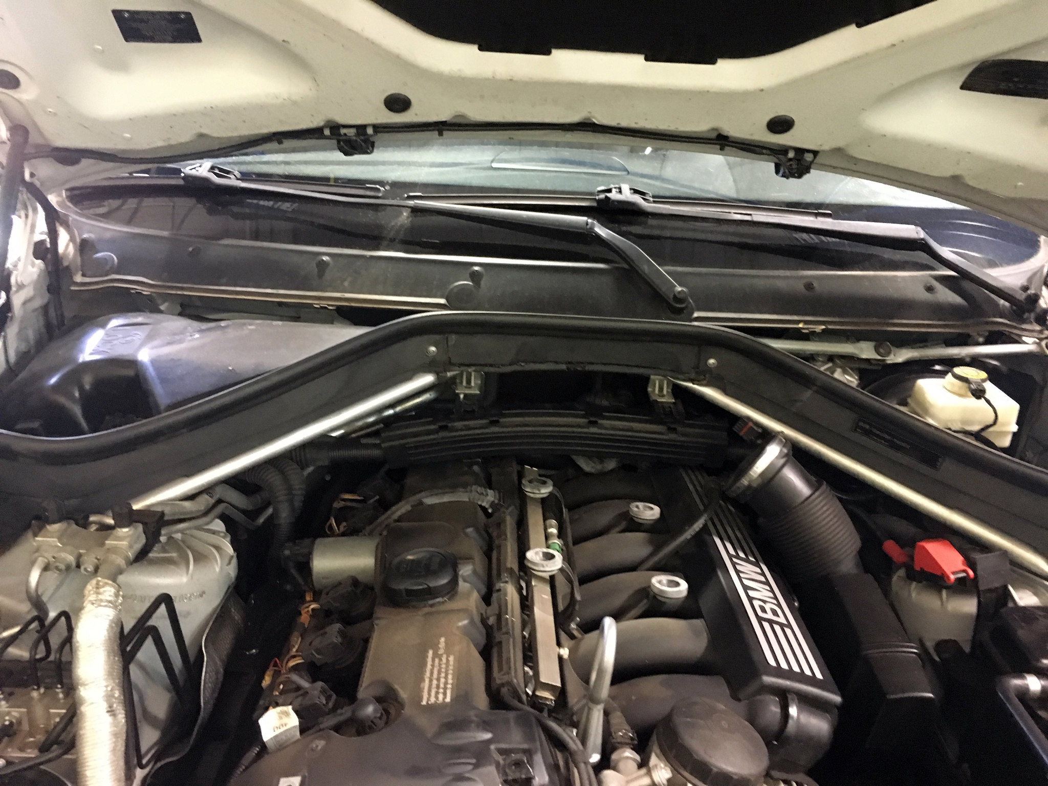 e) remove engine cover (6mm allen key) f) remove engine bay plastics
