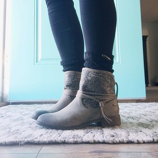 Boots | by thepapergoddess