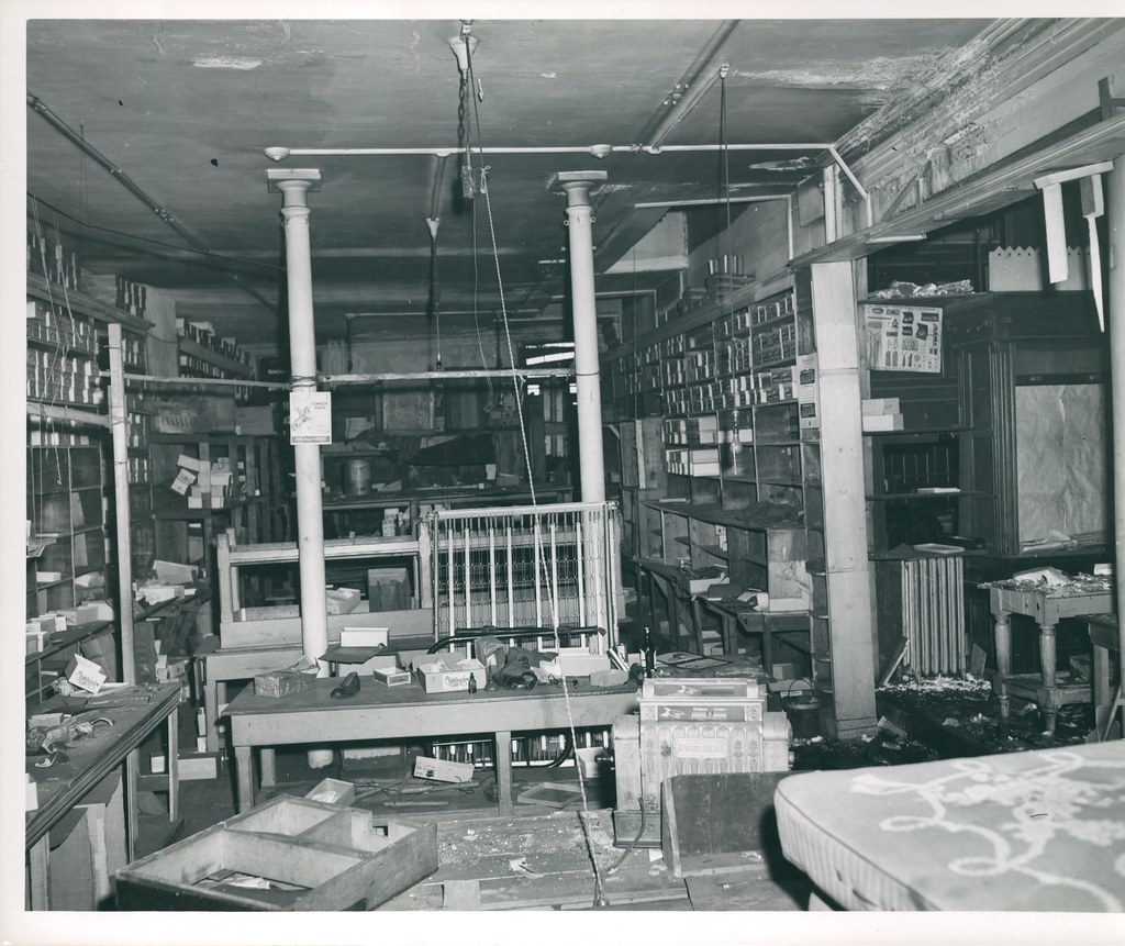 15 Hanover Street Interior Of Store Title 15 Hanover Str Flickr