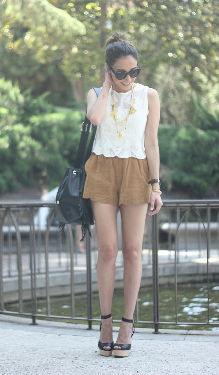 Suede Shorts White Top Summer Outfit07