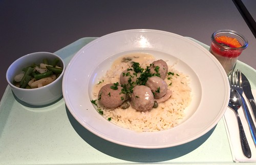 German meatballs in caper sauce & rice / Königsberger Klopse mit Kapernsauce & Reis