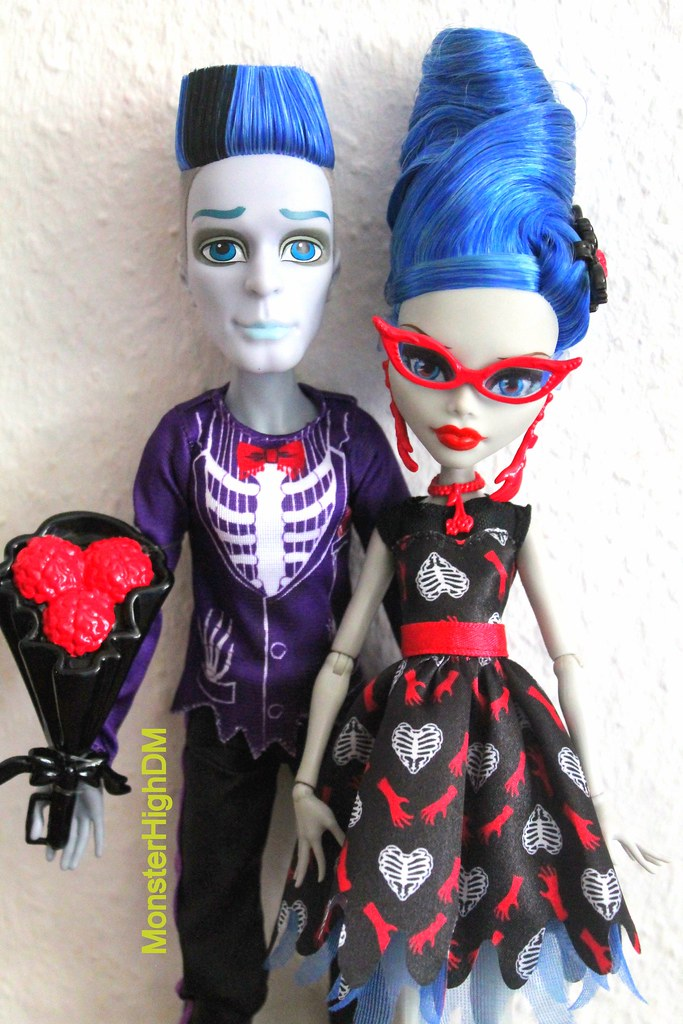 monster high slo mo ghoulia yelps loves not dead 2 pack doll - Ghoulia Yelps