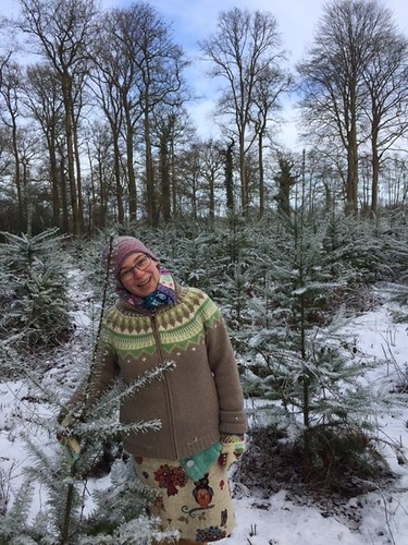 knitter in the snow2