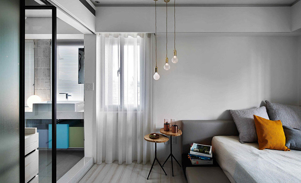 A colorful apartment by Waterfrom Design Sundeno_19