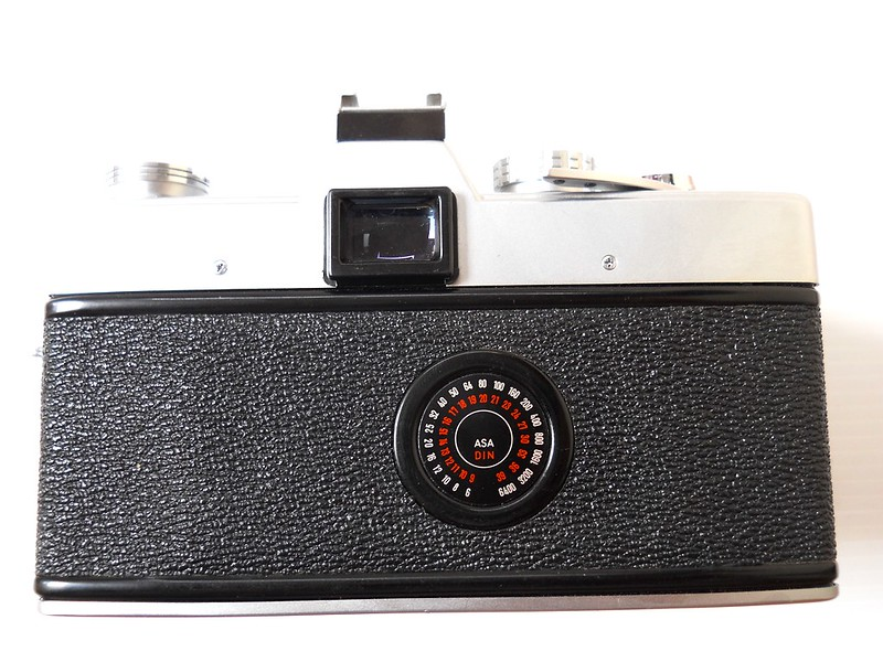 Back of Minolta SRT101