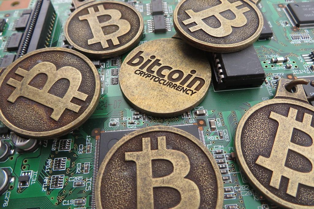 Three videos that explain blockchain clearly