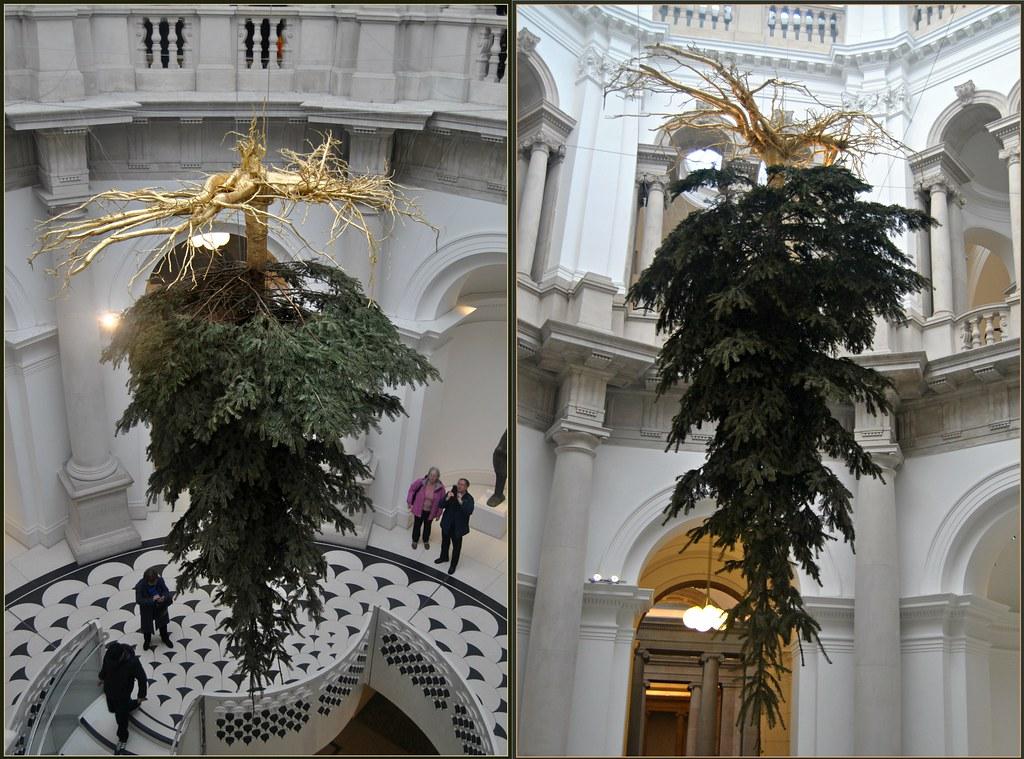 TATE BRITAIN CHRISTMAS TREE 2016