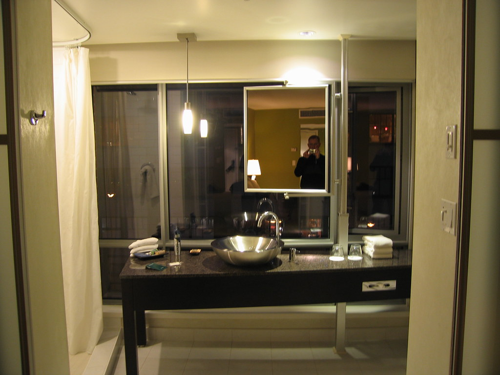Opus hotel bathroom this is the fabulous bathroom at the for Y hotel shared bathroom