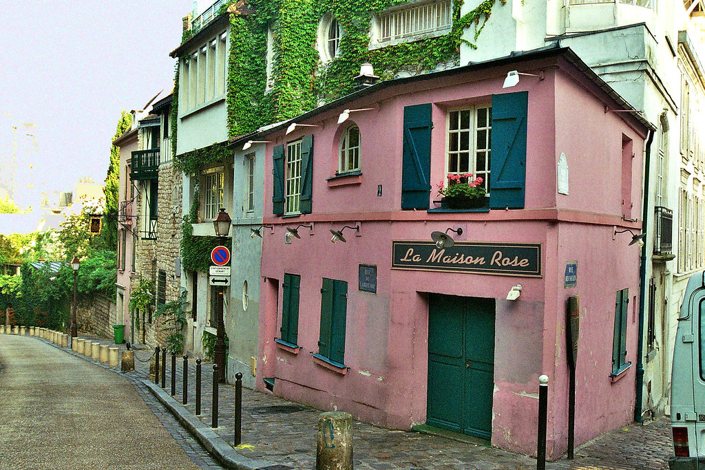 La maison rose de la butte montmartre one of my very for La maison rose lourmarin
