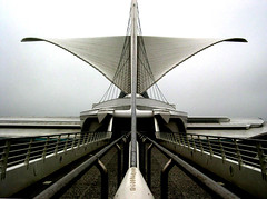 Milwaukee Art Museum | by Bryan Chang