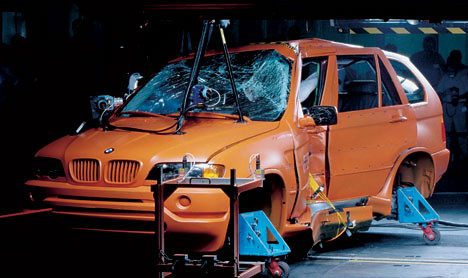 BMW X5 (2003) Crash-Test | Tested By euroNCAP Safety ...