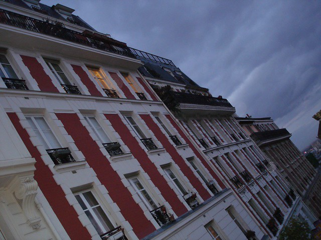 Building Falling Over : More buildings falling over montmartre zoe flickr