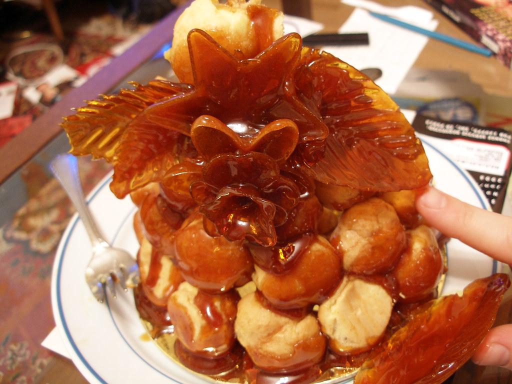 Caramel Decorations For Cake