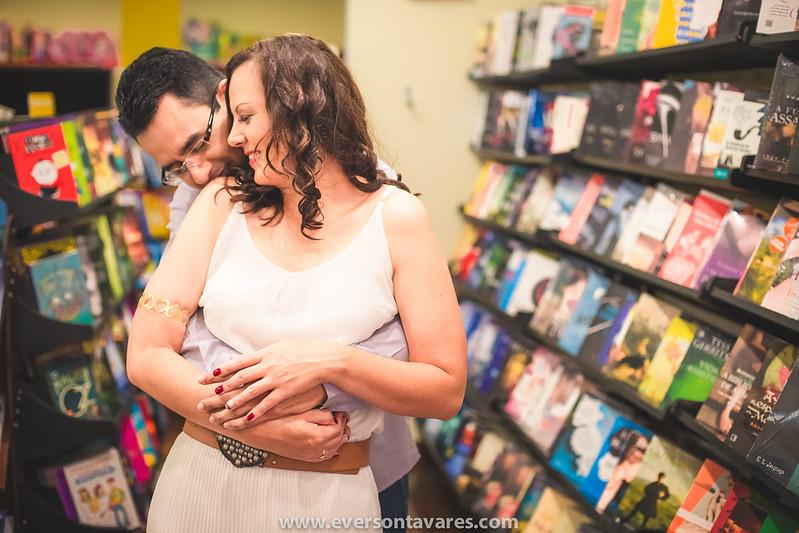 Patricia-e-Marcos-pré-wedding-livraria-por-Everson-Tavares-9467