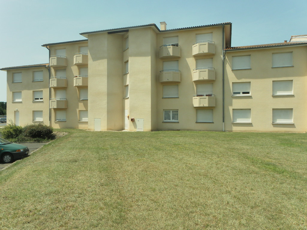R sidence universitaire crous michel de montaigne pessac for Appartement universitaire bordeaux