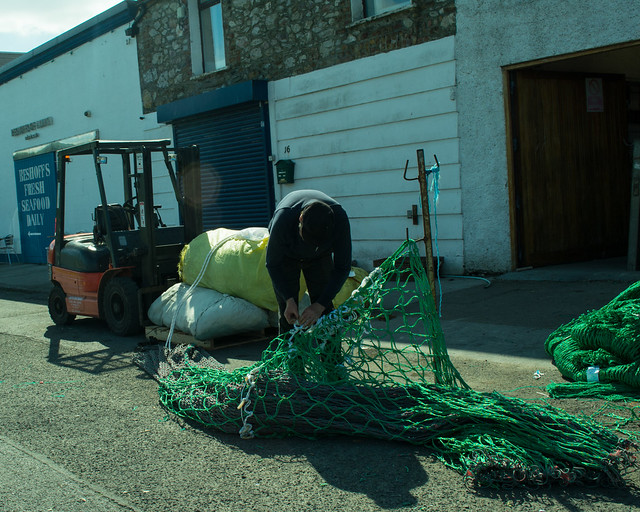 20150526-071_Howth Harbour_Mending fishing nets