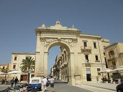 2015-sicilia 271 noto-porta reale