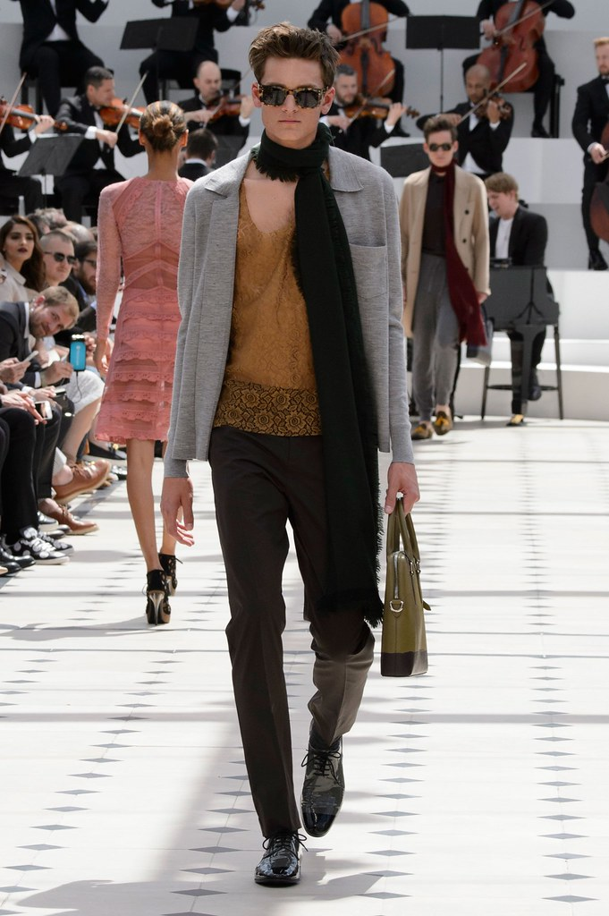 SS16 London Burberry Prorsum026_Jamie Platt(fashionising.com)
