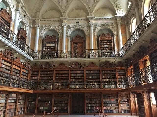 Biblioteca del monasterio premostratense de Teplá en Bohemia Occidental (República Checa)