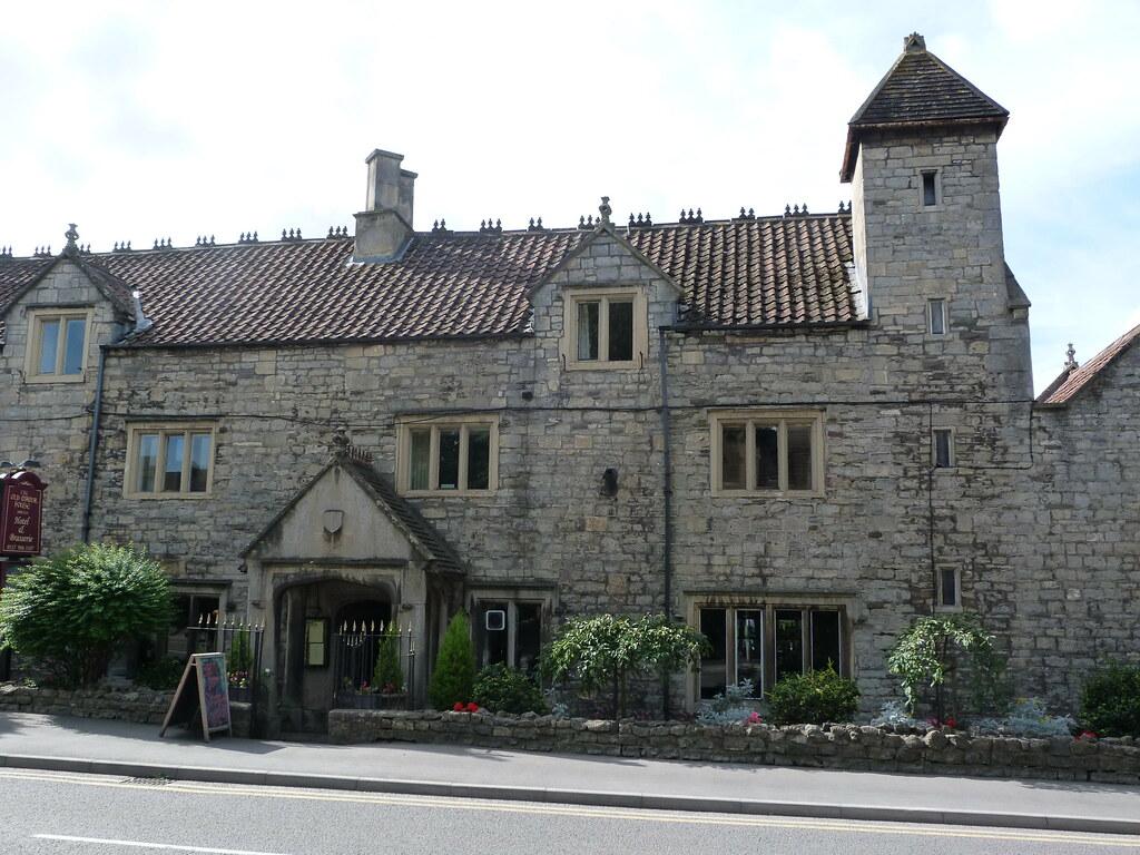 The old manor house bristol road keynsham b nes flickr for Classic house bristol