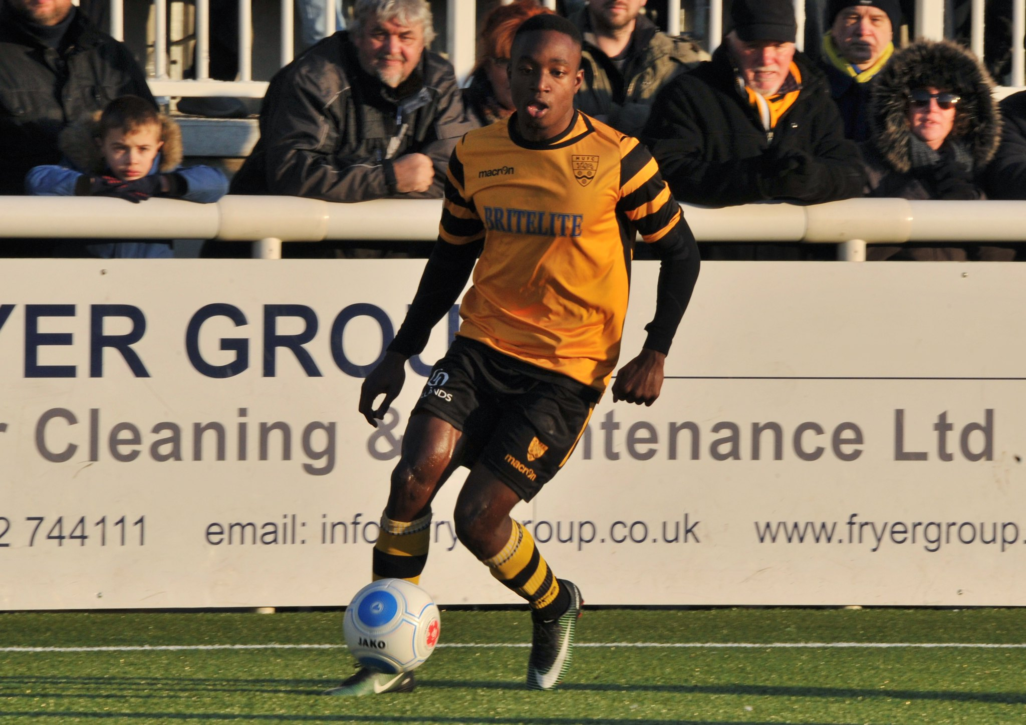 Maidstone United v Torquay United 117