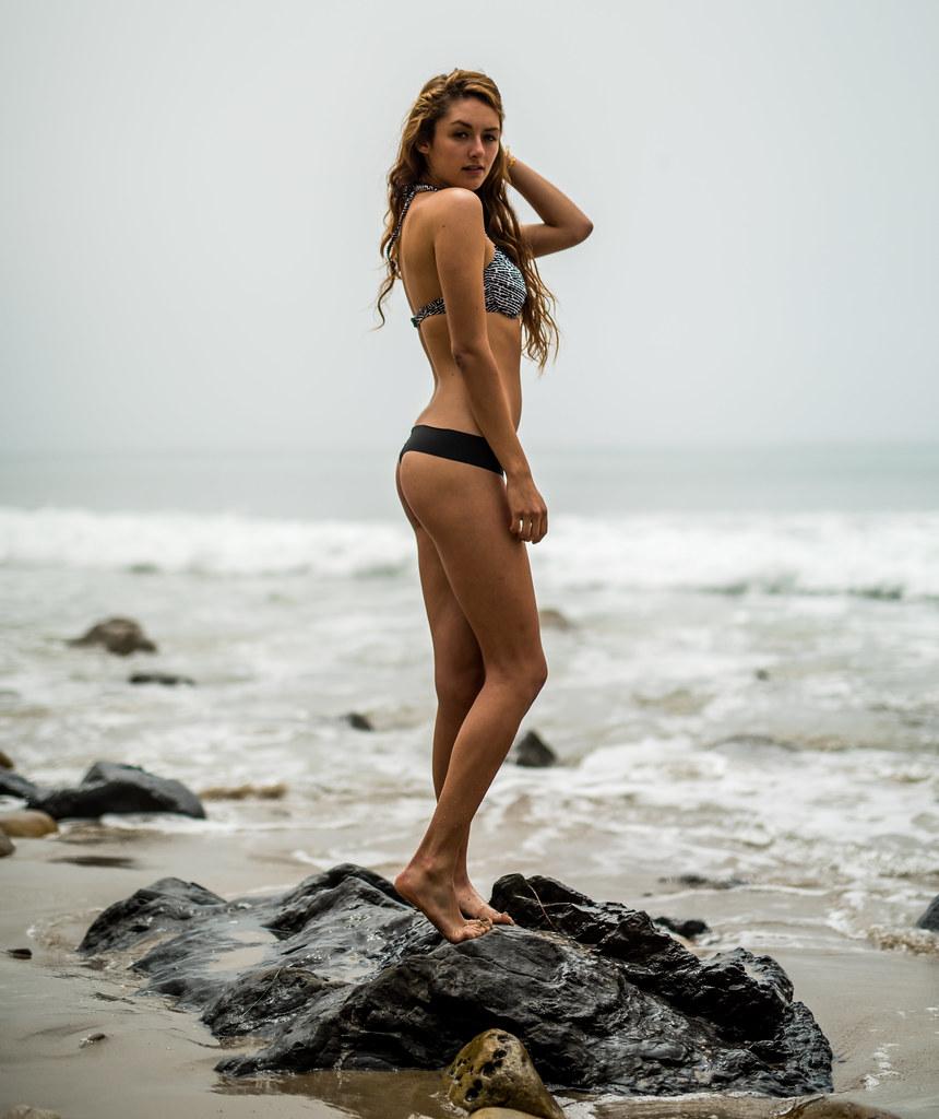 Athletic Brunette Goddess! Nikon D810 Photos Pretty Swimsu