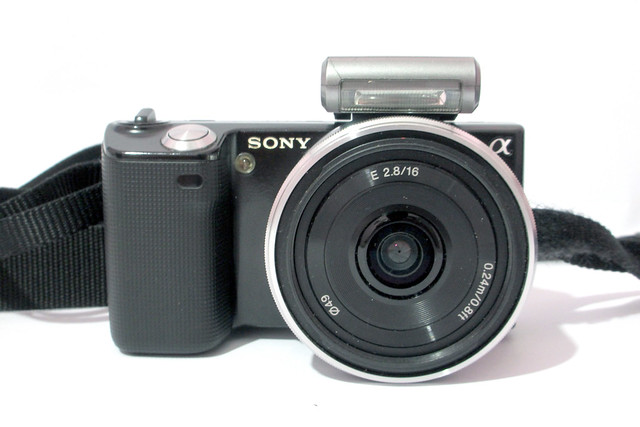 Sony Nex 5 with SEL 16mm