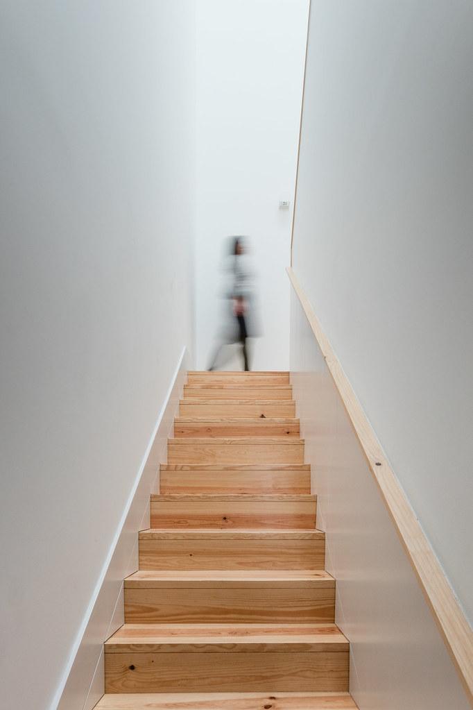 Duplex flat design in Porto by Portuguese architectural studio PF Arch Sundeno_05