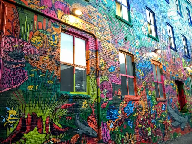 Street Art par Uber5000 sur Graffiti Alley, Toronto (Canada)