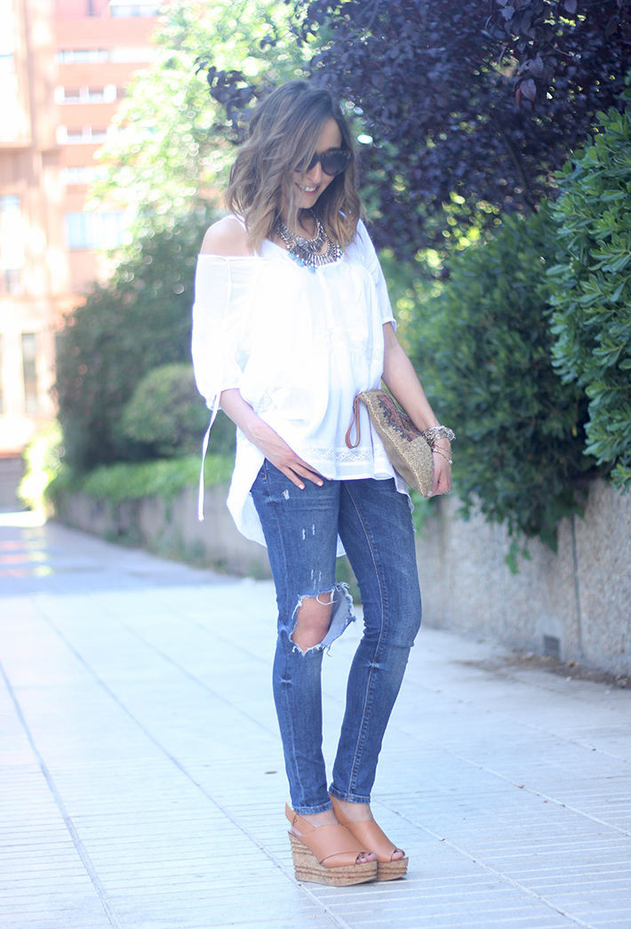 White Blouse Denim Jeans Outfits Summer Wedges Sheinside 03