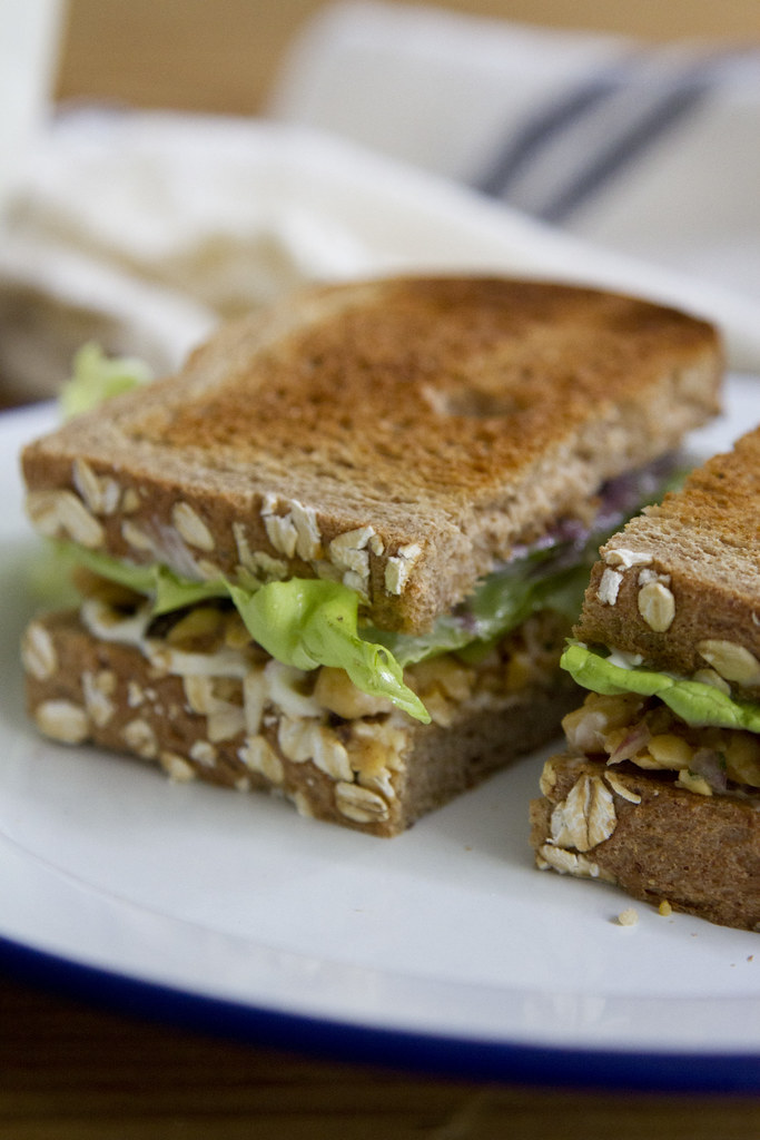 pack a picnic: smashed chickpea salad sandwiches ...