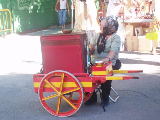 Barquillera en el Rastro de Madrid
