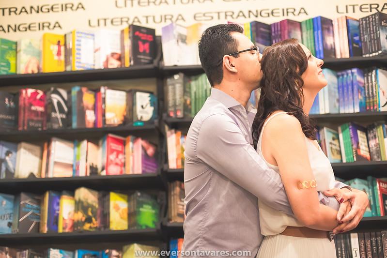Patricia-e-Marcos-pré-wedding-livraria-por-Everson-Tavares-9460