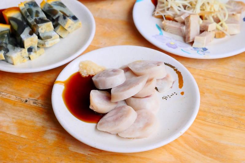 31508626923 156a65b233 c - 小林雞肉飯:天天午晚餐客滿排隊 招標虱目魚魚肚丸湯好吃必點!
