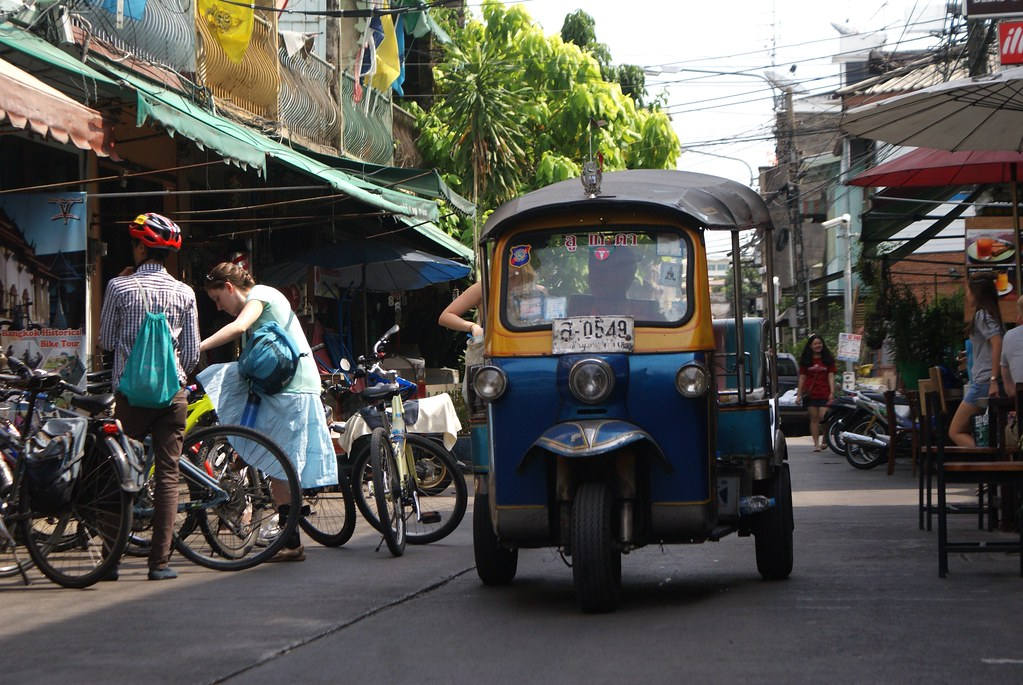 Tuk tuk dans le quartier de Khao San Road à Bangkok.