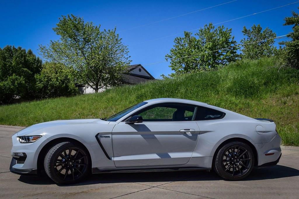 Avalanche Gray Mustang Shelby Gt350 Bbossingg Flickr