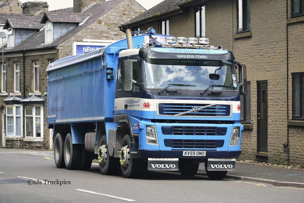 Volvo FM,Clwyd Ellis Transport Ltd. | SteveJeffsson | Flickr