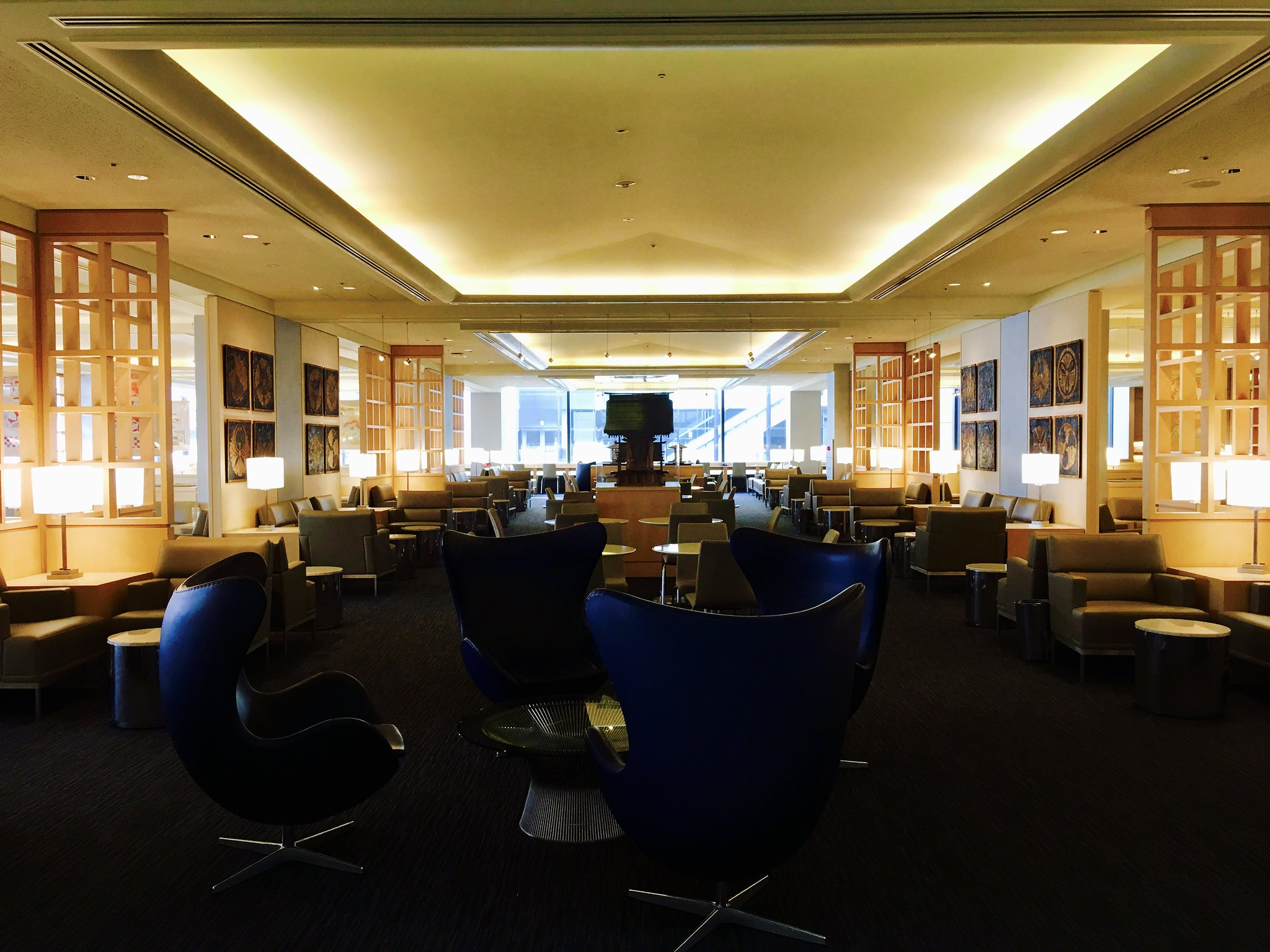 Narita Airport Terminal 1 United Club Lounge