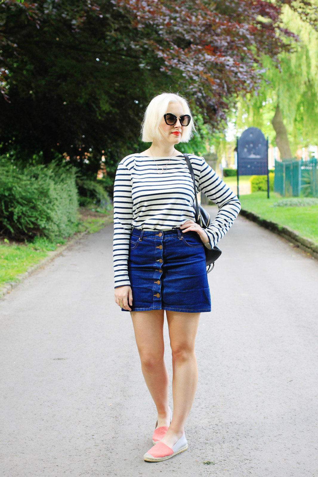 how to wear a breton striped top