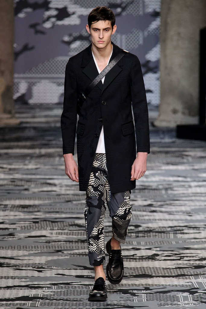 SS16 Milan Neil Barrett002_Rhys Pickering(fashionising.com)