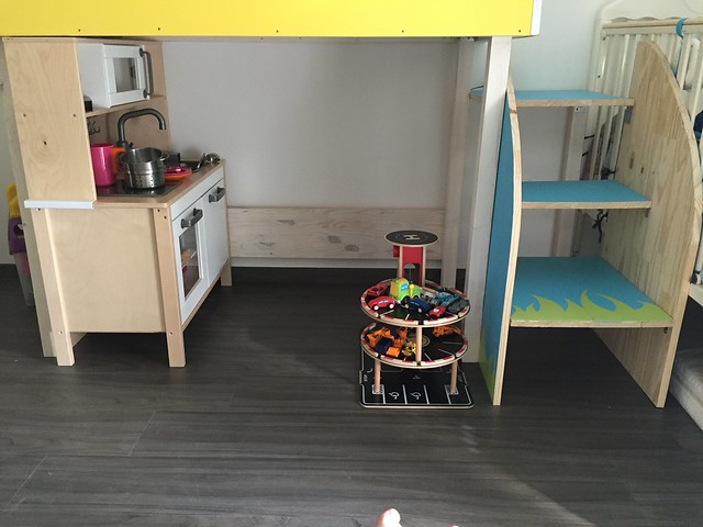 La cabane cuisine sous le lit van