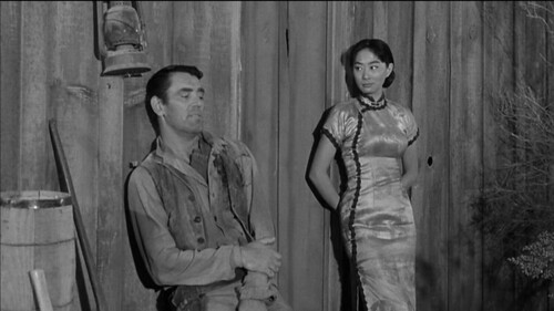 John Vivyan, Lisa Lu in RIDER ON A DEAD HORSE (1962)