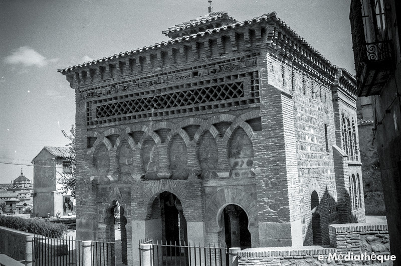 Mezquita del Cristo de la Luz en Toledo en agosto de 1965. Fotografía de Jacques Revault © e-Médiathèque | Médiathèque SHS de la Maison méditerranéenne des sciences de l'homme