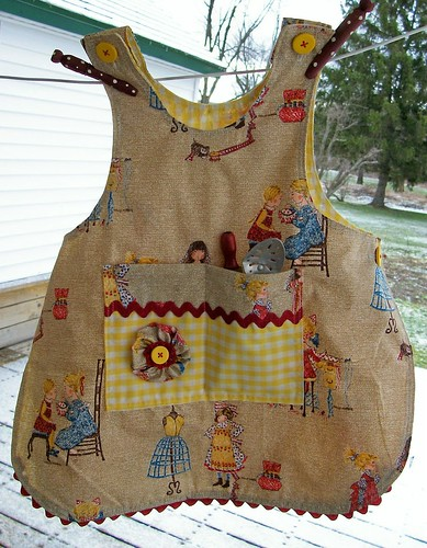 child's apron | by fourfiftythree