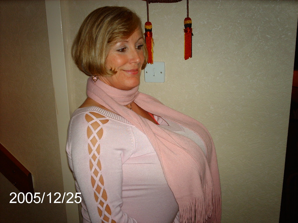 Milf Large Natural Tits