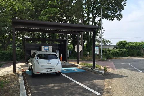 尼御前SA(下り) 電気自動車用急速充電器